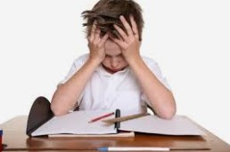 Jangan Paksa Anak Mendapatkan 'Nilai Baik' Pada Rapor Sekolah